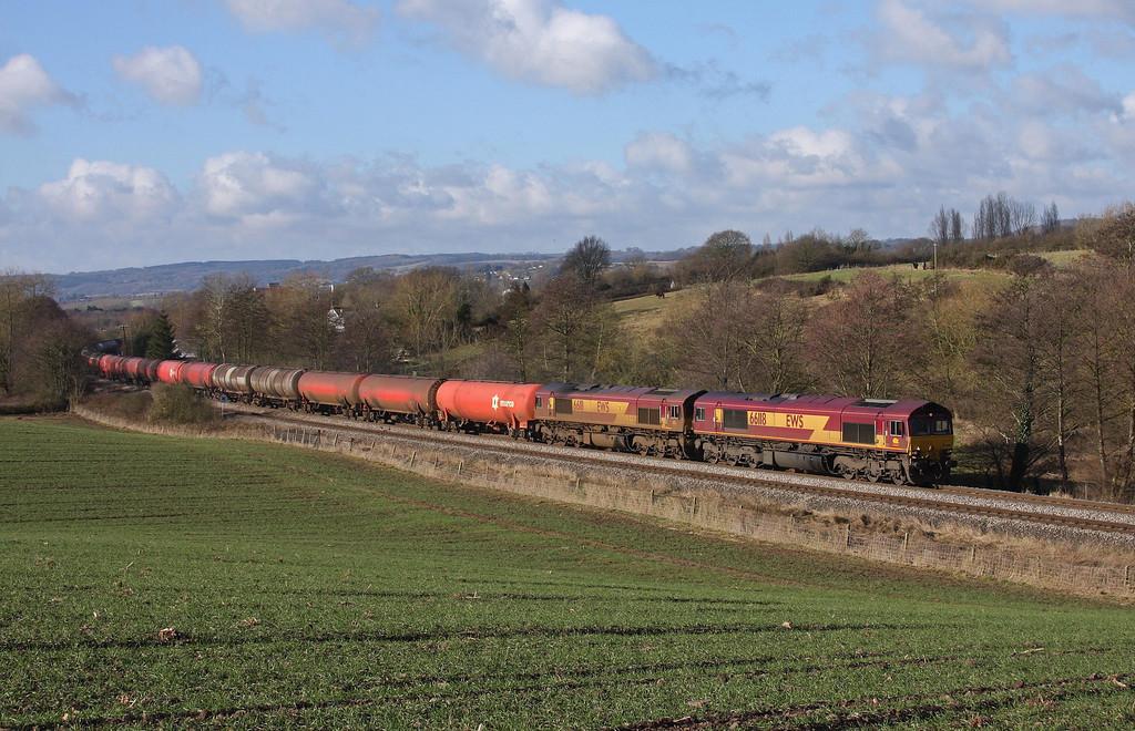 66118/66111, 05.05 Robeston-Westerleigh, Cliff Farm, Lydney, 10-2-10.