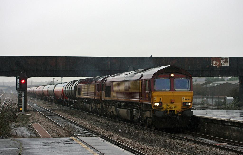 66084/66175, 05.05 Robeston-Westerleigh, Severn Tunnel Junction, 22-1-10.