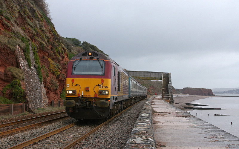 67016/67017, 08.00 Cardiff Central-Paignton, Dawlish, 28-1-10.
