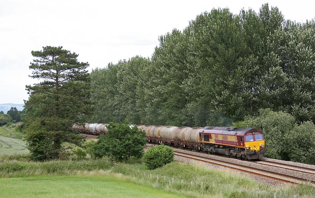 66084, 09.17 Fawley-Plymouth Tavistock Junction Yard, Beambridge, near Wellington, 29-6-10.