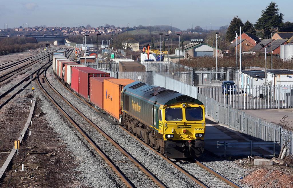 66955, 10.00 Cardiff Wentloog-Southampton Millbrook, Severn Tunnel Junction, 1-3-10.