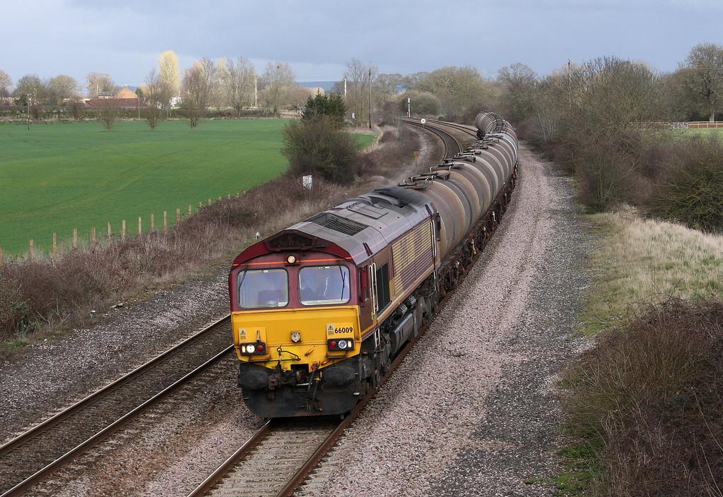 66009, 08.48 Fawley-Plymouth Tavistock Junction Yard, Creech St Michael, near Taunton, 30-3-10.