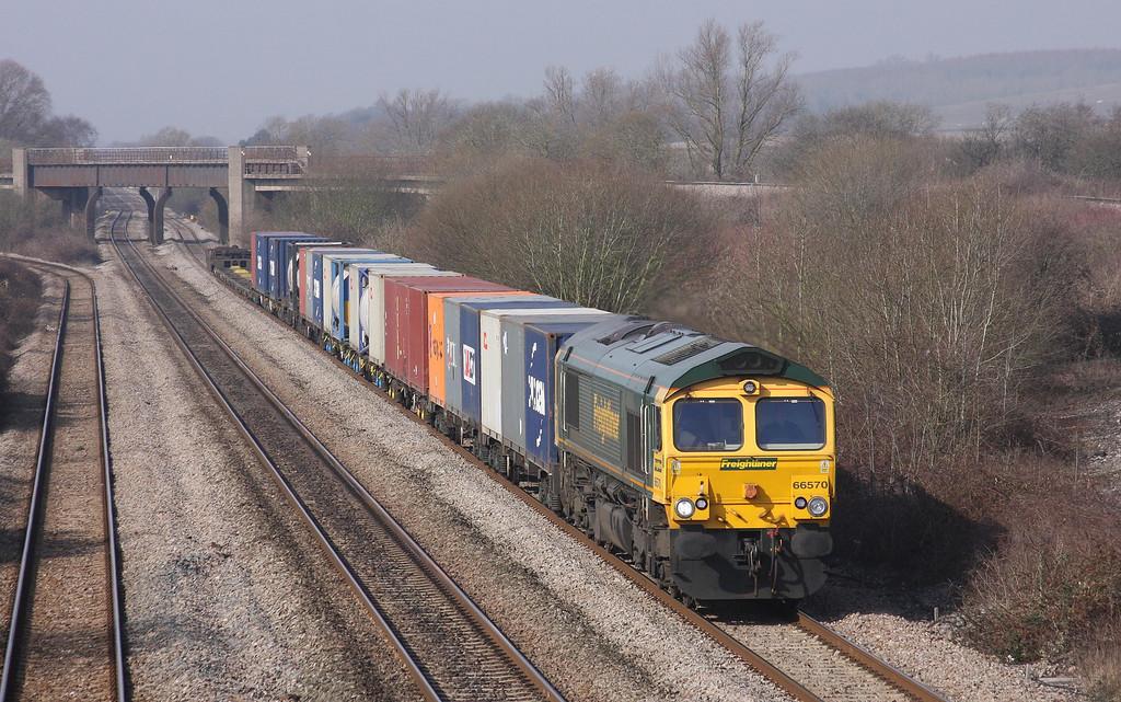 66570, 10.00 Cardiff Wentloog-Southampton Millbrook, Llandevenny, near Llanwern, 16-3-10.