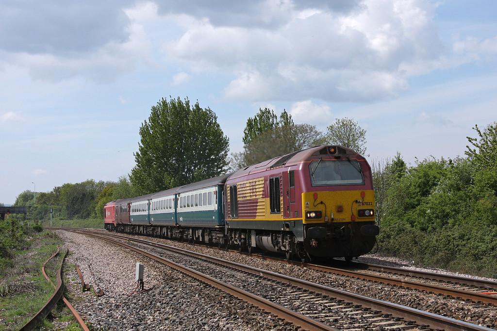 67022/67018, 12.47 Paignton-Cardiff Central, Bathpool, Taunton, 10-5-10.