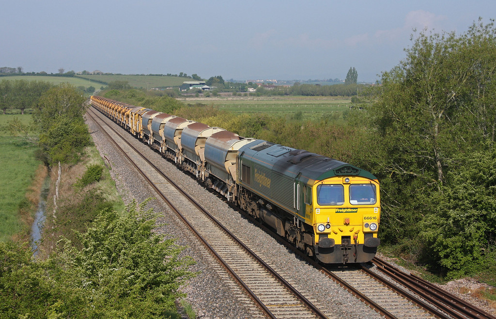 66616, 08.20 Taunton Fairwater Yard-Westbury Virtual Quarry, Wick, near Langport, 13-5-10.