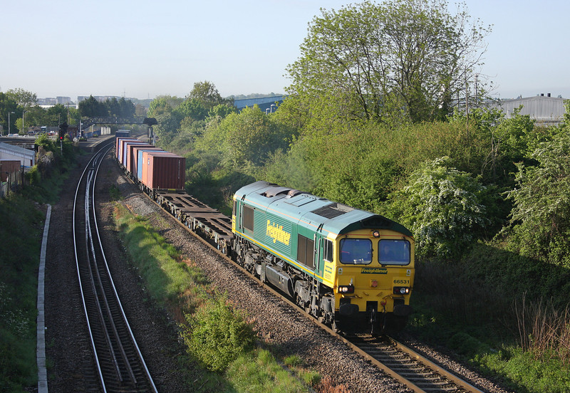 66531, 04.28 Southampton-Cardiff Wentloog, Patchway, Bristol, 17-5-10.