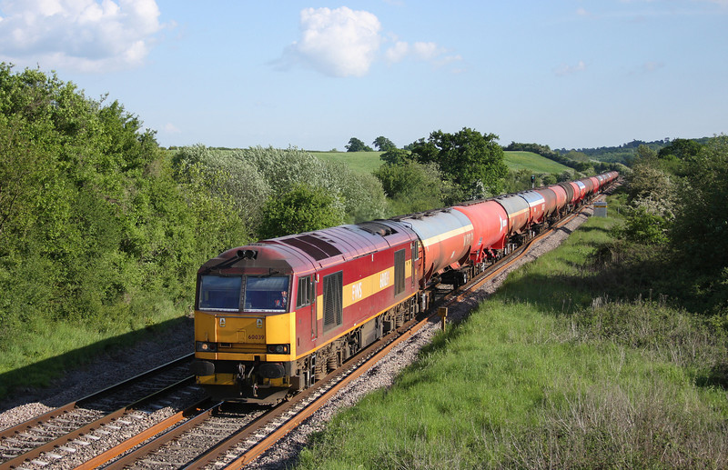 60039, 17.22 Westerleigh-Robeston, Michael Wood, Gloucestershire, 27-5-10.