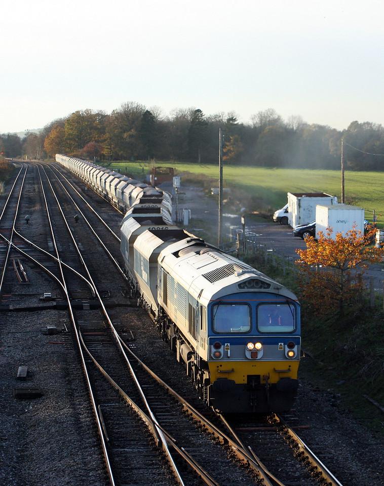 59102, 13.30 Whatley Quarry-Dagenham, leaving Woodborough loops, near Pewsey, 16-11-10.