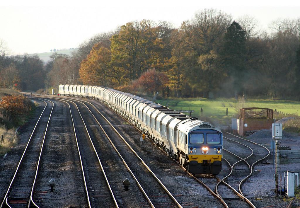 59102, 13.30 Whatley Quarry-Dagenham, entering Woodborough loops, near Pewsey, 16-11-10.