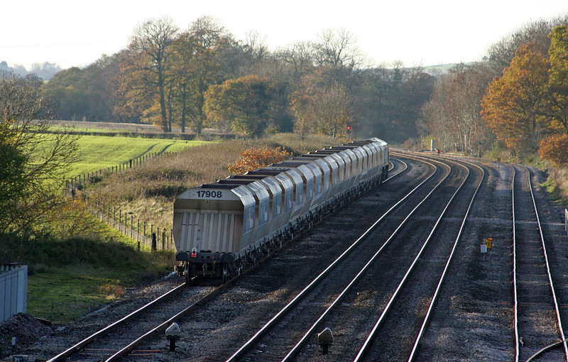 59005, 14.15 Theale-Whatley Quarry, Woodborough Loops, near Pewsey, 16-11-10.