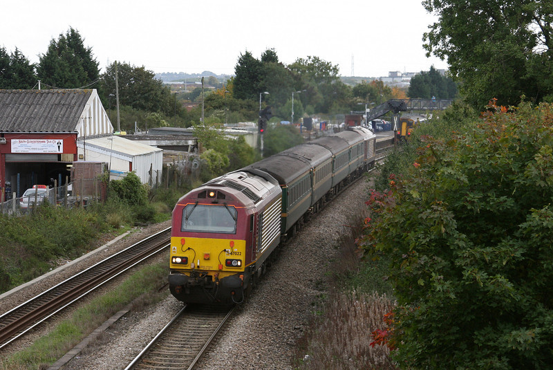 67022/67020, 12.48 Paignton-Cardiff Central, Patchway, Bristol, 7-10-10.