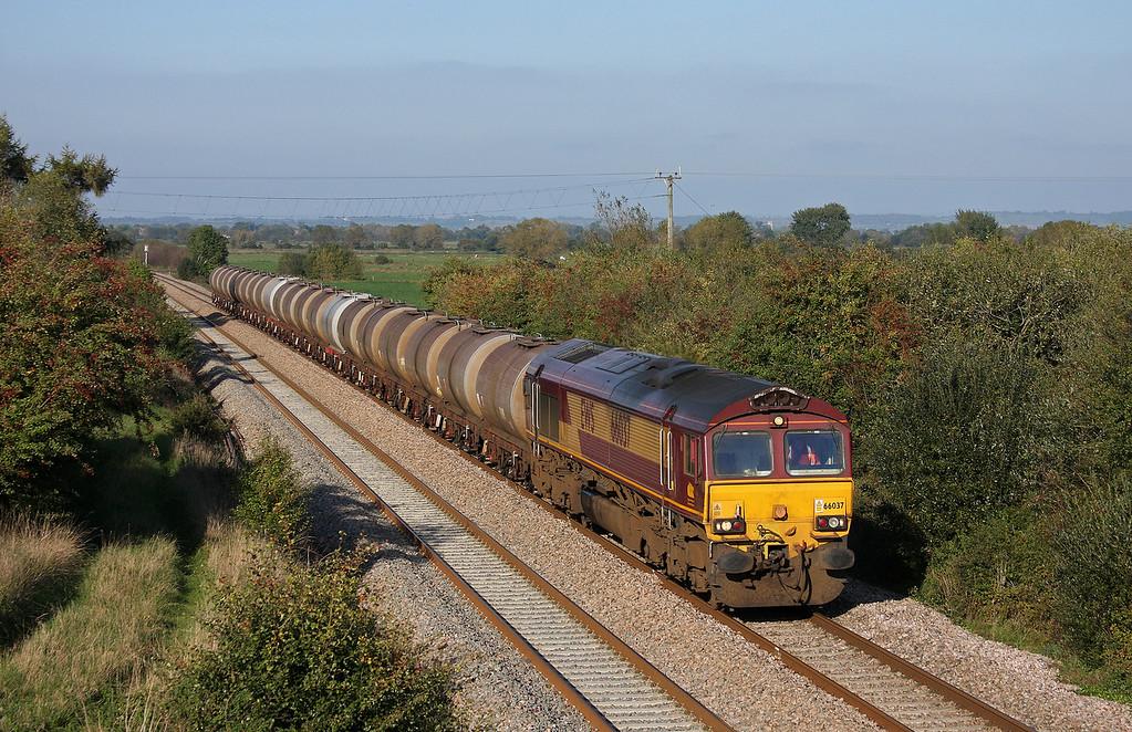 66037, 09.17 Fawley-Plymouth Tavistock Junction Yard, Banklands, near Durston, 12-10-10.