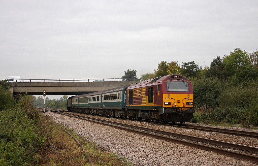 67020/67022, 11.02 Taunton-Cardiff Central, Rexhill Farm, Bathpool, Taunton, 15-10-10.