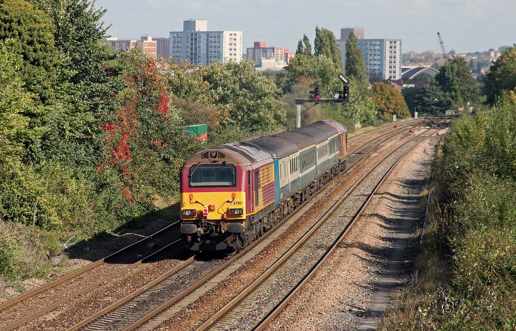 67019/67003, 11.02 Taunton-Cardiff Central, Parson Street, Bristol, 7-10-10.