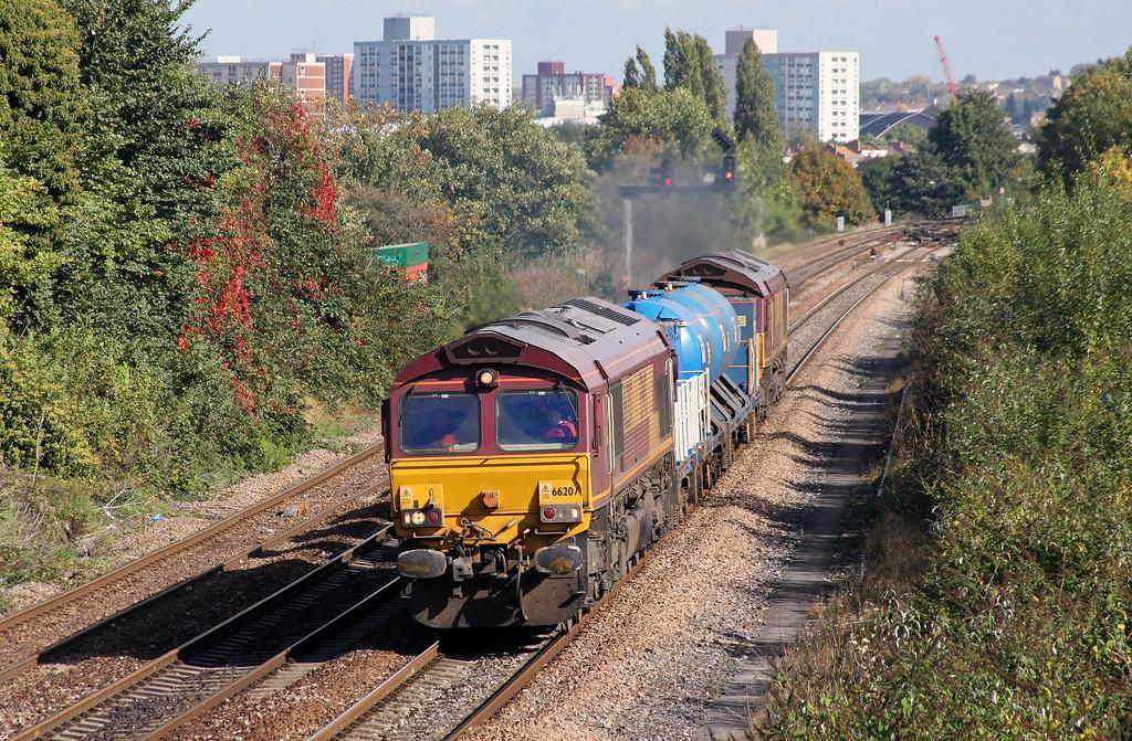66207/66077,  08.13 Moreton-on-Lugg-Weston-super-Mare, Parson Street, Bristol, 7-10-10.