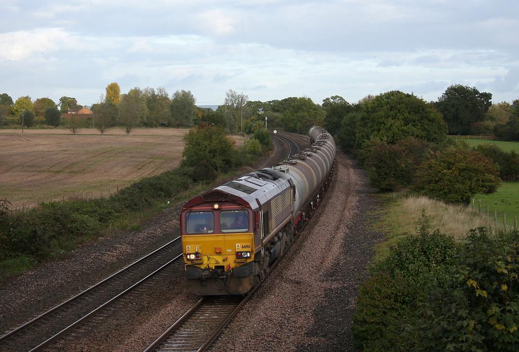 66196, 09.17 Fawley-Plymouth Tavistock Junction Yard, Creech St Michael, near Taunton, 19-10-10.