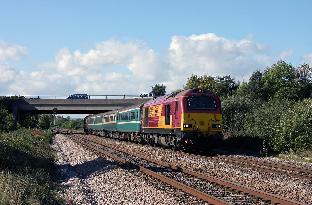 67022/67020, 12.58 Paignton-Cardiff Central, Rexhill Farm, Bathpool, Taunton, 6-10-10.