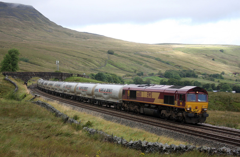 66110, 07.05 Mossend-Clitheroe, Ais Gill, 14-9-10.