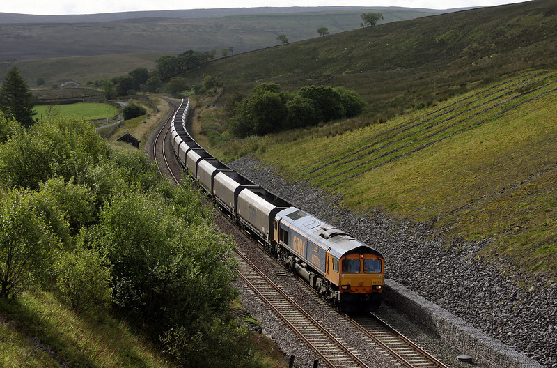 66701, 07.45 Drax Power Station-Hunterston, Shotlock Hill Tunnel, near Garsdale, 16-9-10.