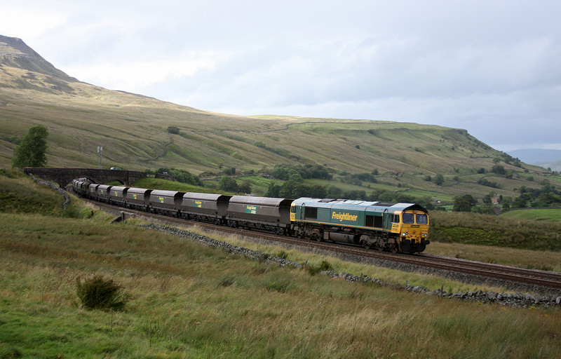 66556, 09.50 Killoch-Drax Power Station, Ais Gill, 14-9-10.