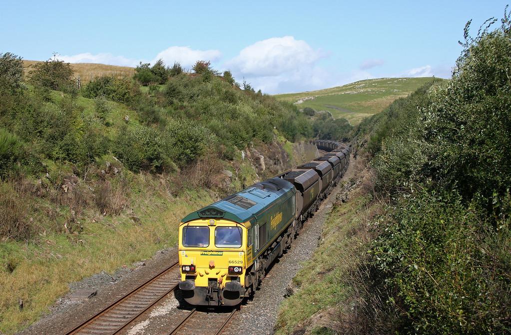66529, 04.37 Killoch-Fiddlers Ferry Power Station, south of Birkett Tunnel, 14-9-10.
