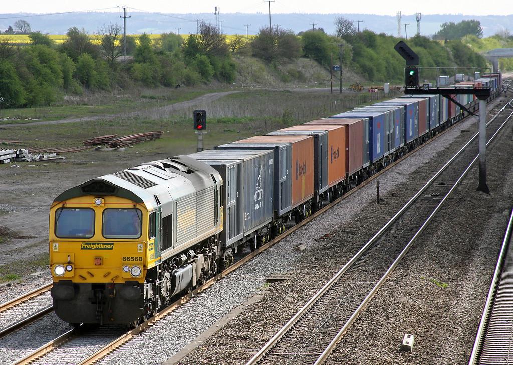 66568, 09.32 Southampton-Crewe Basford Hall, Didcot, 12-4-11.