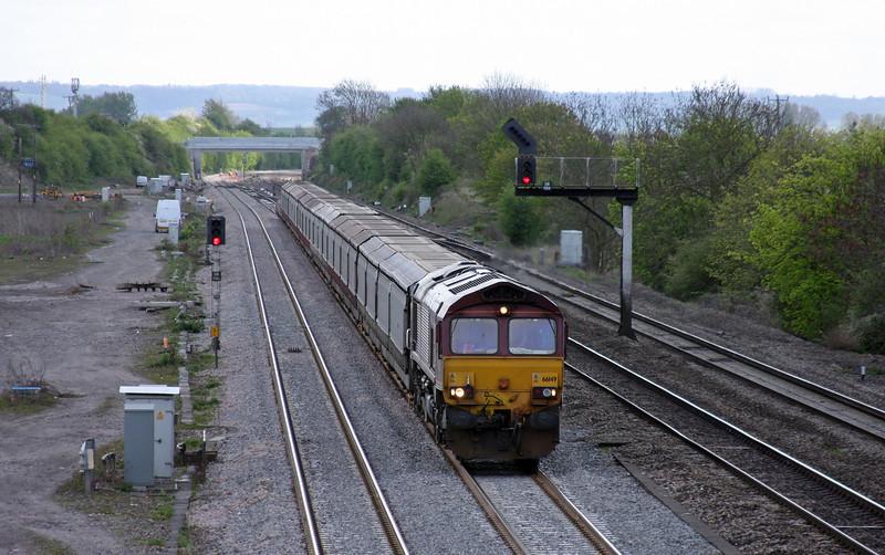 66149, 10.11 Southampton East Docks-Warrington, Didcot, 12-4-11.
