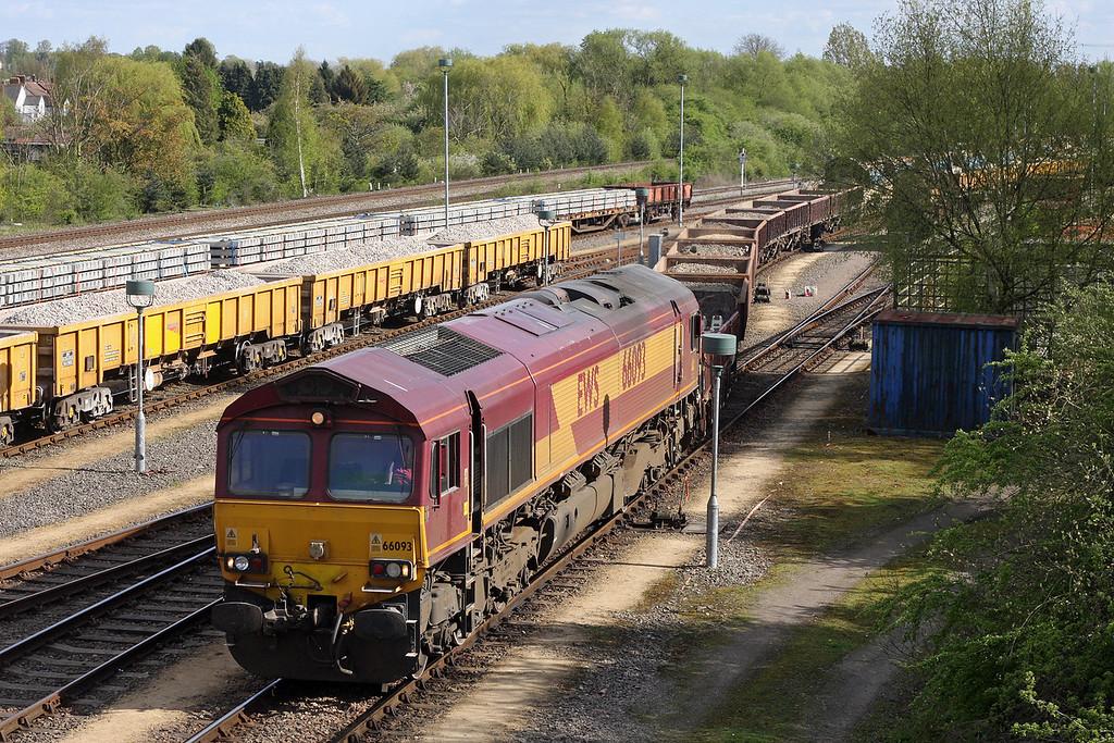 66093, shunting 13.26 Eastleigh Yard-Hinksey Virtual Quarry, Oxford Hinksey Yard, 12-4-11.