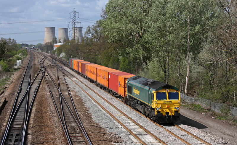 66542, 11.00 Bristol Freightliner Terminal-Grain, Kent, Didcot, 12-4-11.