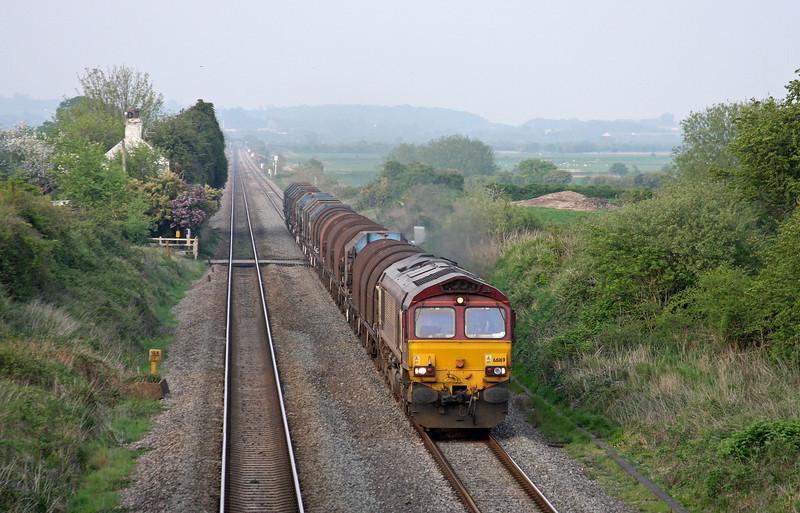 66169, 17-04 Round Oak-Margam, Woolaston, near Lydney, 20-4-11.