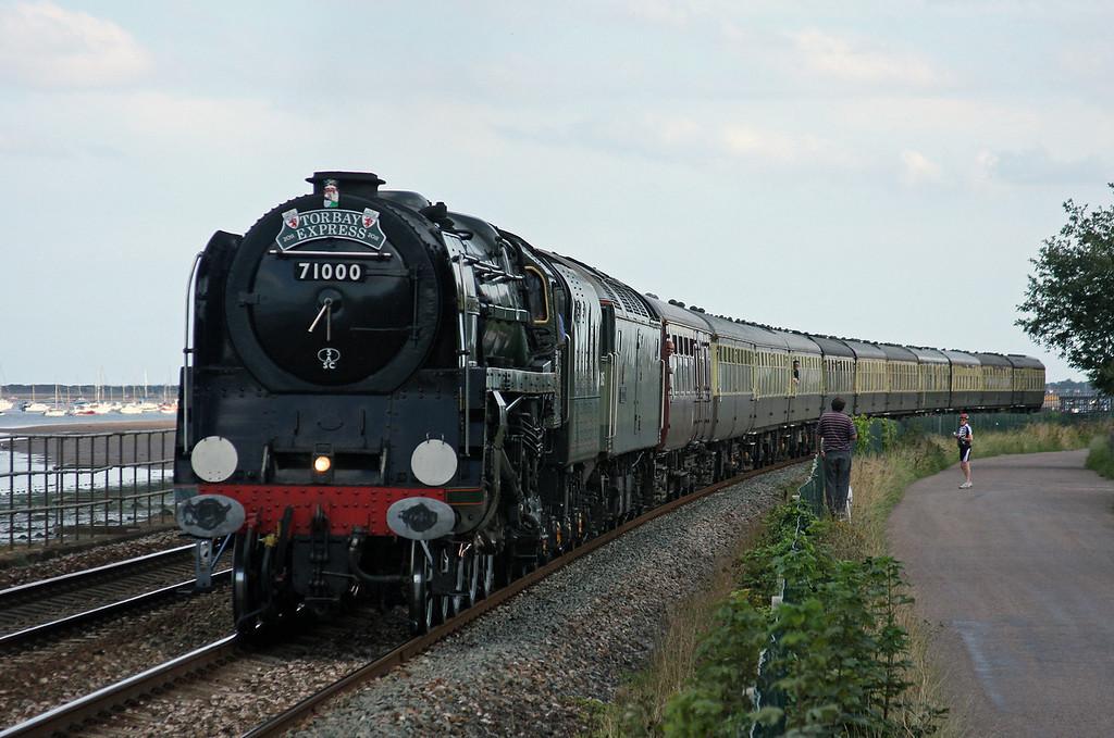 71000/47815, 16.45 Kingswear-Bristol Temple Meads, Torbay Express, Powderham, near Starcross, 21-8-11.