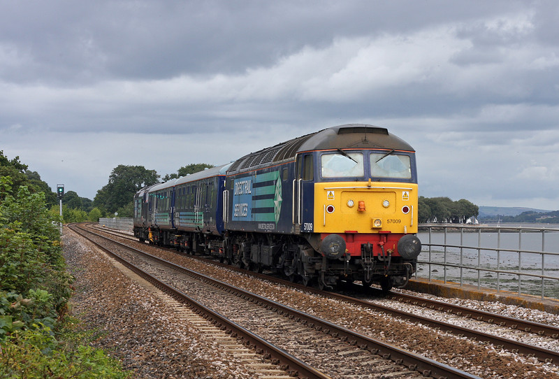 57009/37409, 08.20 Crewe Gresty Bridge-Plymouth route learner, Powderham, near Starcross, 15-8-11.