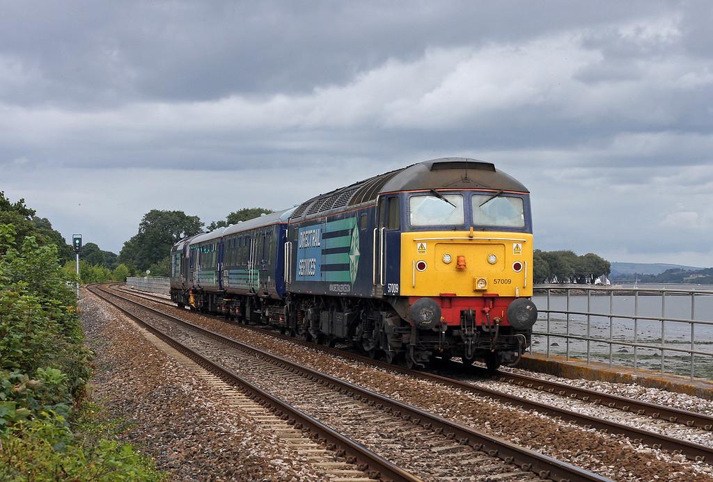 57009/37409, 08.20 Crewe Gresty Bridge-Plymouth route learner, Powderham, near Starcross, 15-8-11.