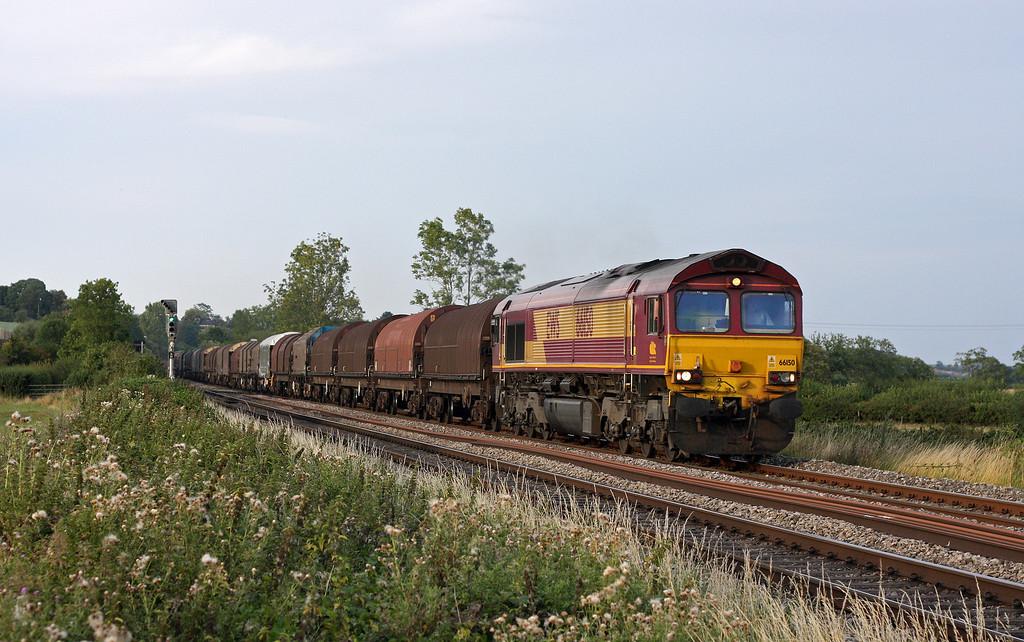 66150, 17.04 Round Oak-Margam, Grange Court Junction, near Westbury-on-Severn, 19-8-11.