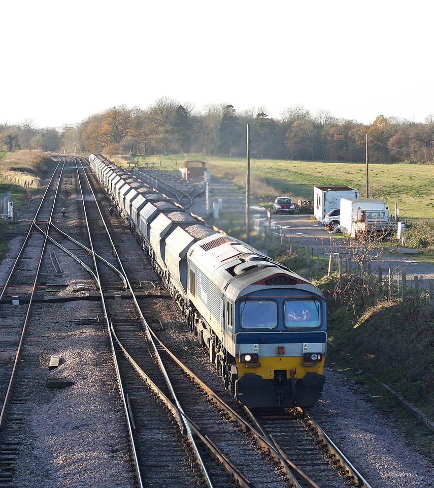 59101, 13.30 Whatley Quarry-Dagenham, Woodborough loops, near Pewsey, 9-12-11.