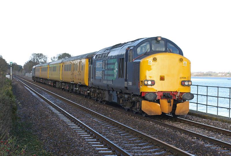 37606/37602, 06.00 Derby-Plymouth Laira Network Rail radio survey train, Powderham, near Starcross, 5-12-11.