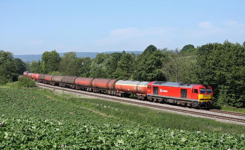 60011, 05.05 Robeston-Westerleigh, Cliff Farm, Lydney, 3-6-11.