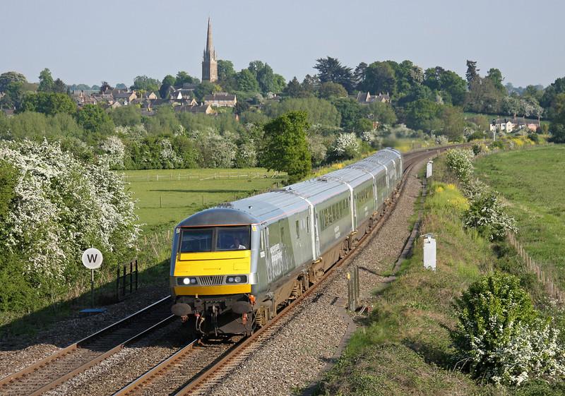 82305/67013, 16.33 London Marylebone-Birmingham, King's Sutton, near Banbury, 4-5-11.
