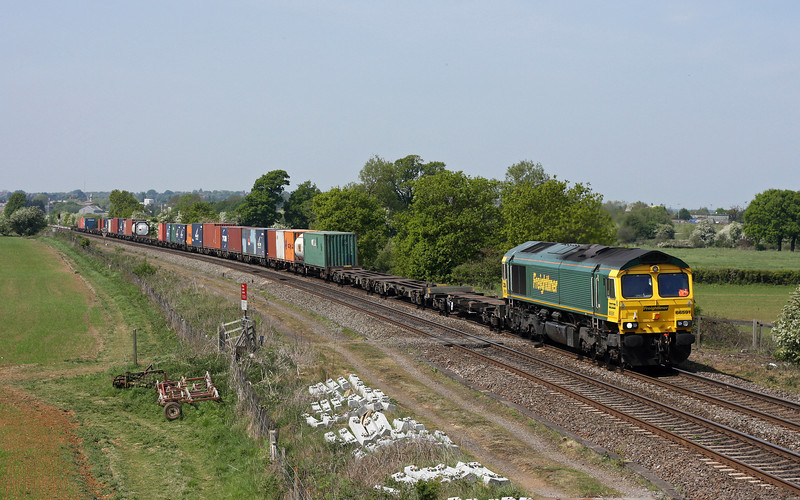 66591, 05.40 Garston-Southampton, Warkworth, near Banbury, 4-5-11.