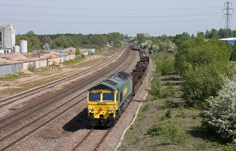 66563, 06.13 Leeds-Southampton, Grimsbury Green, Banbury, 4-5-11.