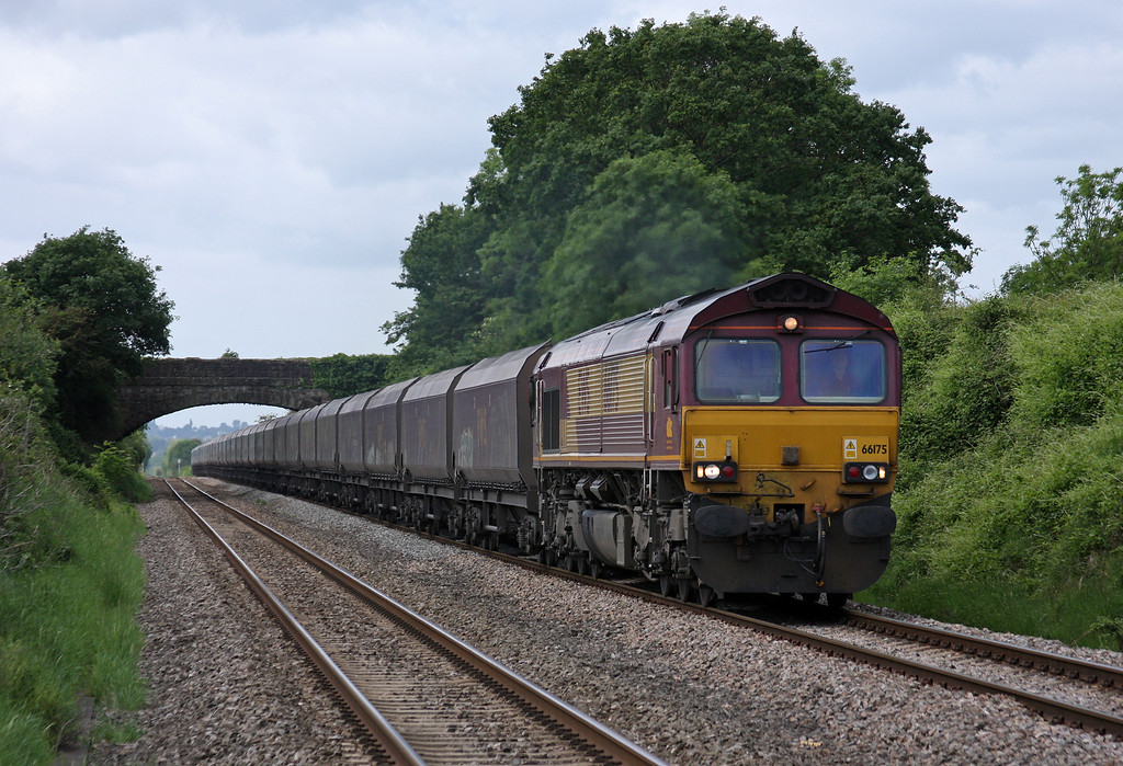66175, 08.55 Margam-Redcar, Woolaston, near Lydney, 19-5-11.