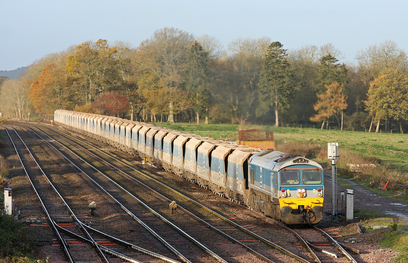 59004, 07.12 Merehead-Acton, departs Woodborough Loops, near Pewsey, 25-11-11.