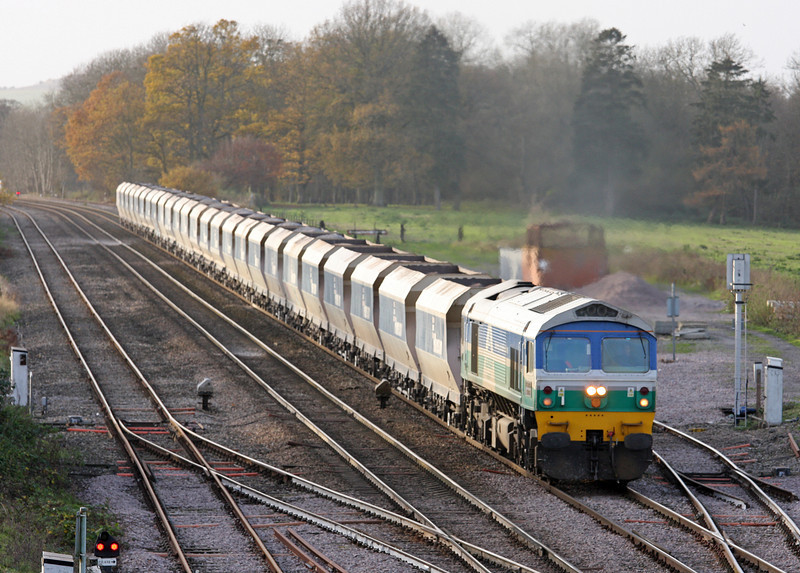 59005, 13.30 Whatley-Dagenham, Woodborough Loops, near Pewsey, 25-11-11.