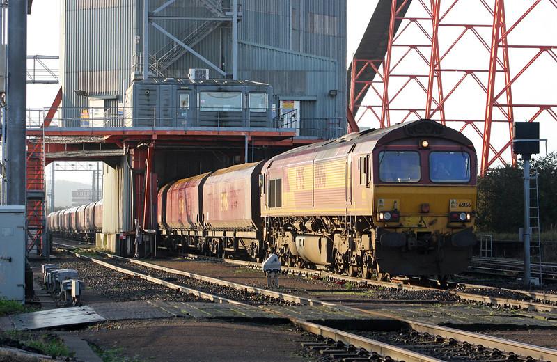 66156, 09.24 Avonmouth Bulk Handling Terminal-Aberthaw Power Station, loading at Avonmouth Bulk Handling Terminal, 17-11-11.