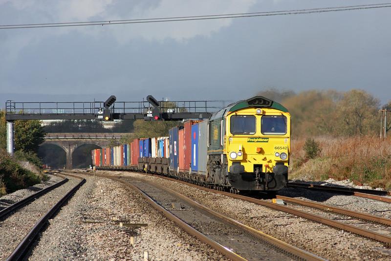 66542, 09.58 Cardiff Wentloog-Southampton Millbrook, Pilning, 1-11-11.