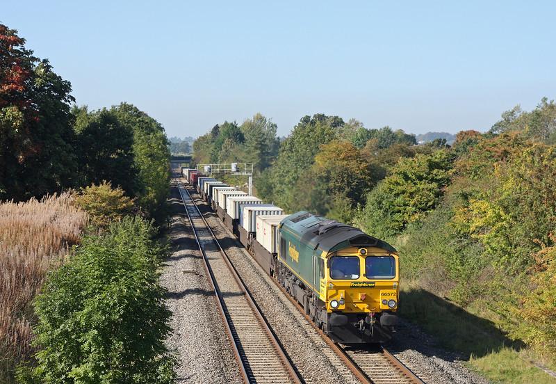 66572, 09.58 Cardiff Wentloog-Southampton Millbrook, Acton Turville, near Badminton, 28-9-11.