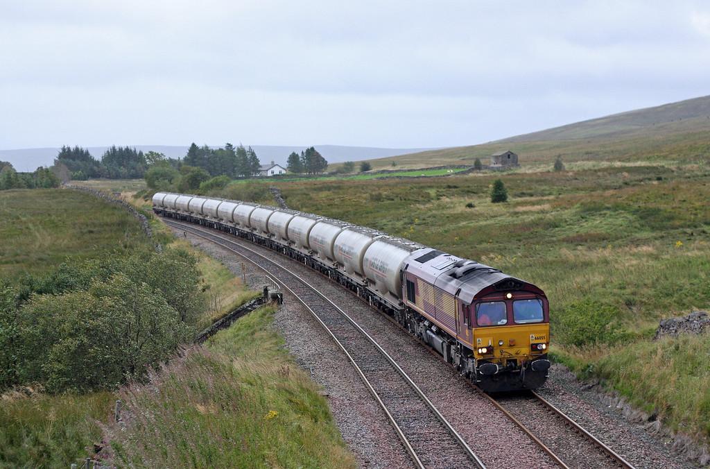 66055, 17.05 Clitheroe-Mossend, Ais Gill, 12-9-11.