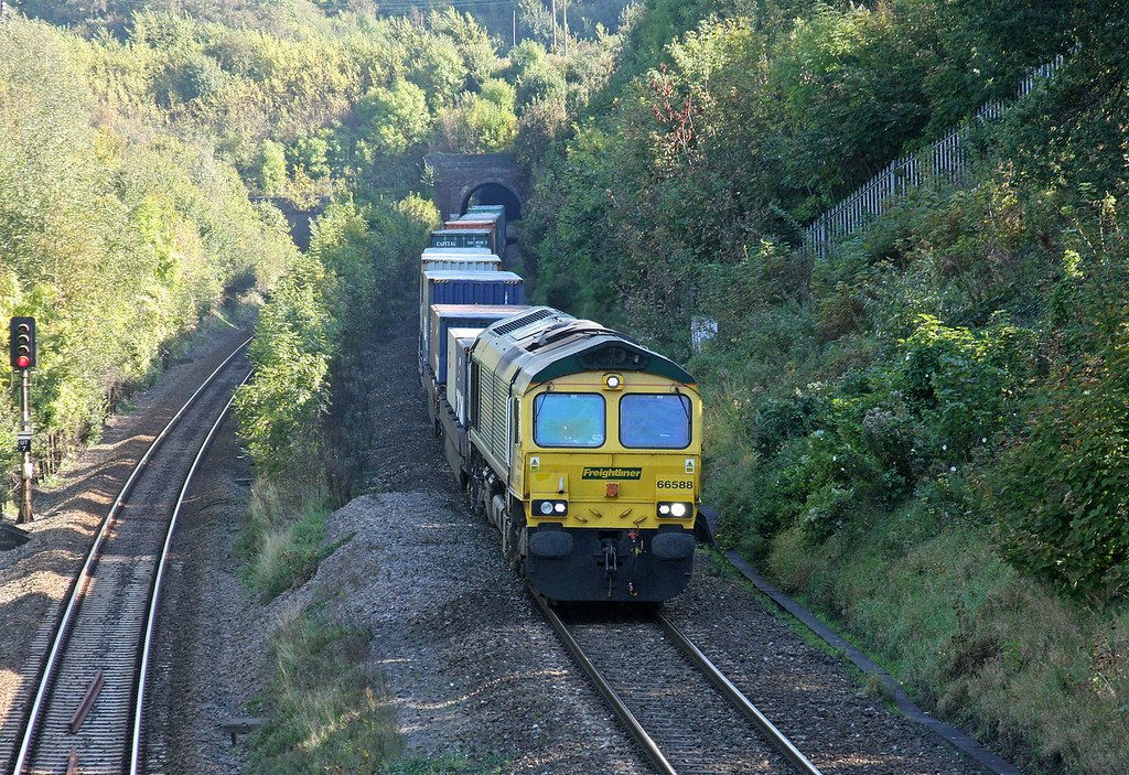 66588, 10.54 Southampton Millbrook-Cardiff Wentloog, Cattybrook, Bristol, 28-9-11.