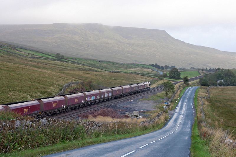 66134, 04.54 Milford Sidings-Greenburn, Shotlock Hill, near Garsdale, 13-9-11.