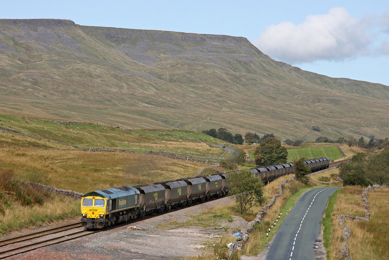 66599, 04.38 Killoch-Fiddlers Ferry Power Station, Shotlock Hill, near Garsdale, 15-9-11.